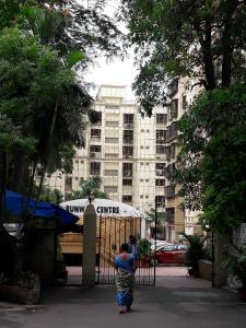 Gallery Cover Image of 1200 Sq.ft 2 BHK Apartment for rent in Govandi for 47000