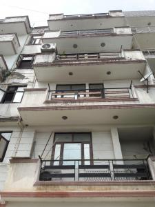 Gallery Cover Image of 1200 Sq.ft 3 BHK Apartment for rent in Jamia Nagar for 20000