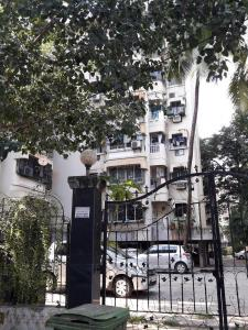 Gallery Cover Image of 600 Sq.ft 1 BHK Apartment for buy in Andheri West for 13800000