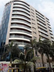 Gallery Cover Image of 1850 Sq.ft 3 BHK Apartment for buy in Worli for 65000000