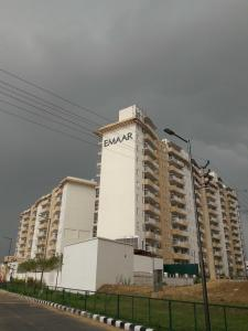 Gallery Cover Image of 241 Sq.ft 1 RK Apartment for buy in Emaar Palm Terraces Select, Sector 66 for 2500000