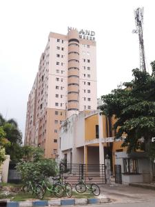Gallery Cover Image of 1206 Sq.ft 2 BHK Apartment for rent in Hiland Woods, New Town for 25000
