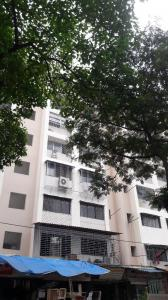 Gallery Cover Image of 550 Sq.ft 1 BHK Apartment for rent in Malad West for 24000