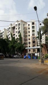 Gallery Cover Image of 750 Sq.ft 1 BHK Apartment for rent in Borivali East for 20000