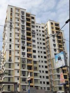 Gallery Cover Image of 1635 Sq.ft 3 BHK Apartment for rent in Avani Oxford I, Lake Town for 22000