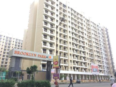 Gallery Cover Image of 980 Sq.ft 2 BHK Apartment for rent in Ekta Brooklyn Park Phase III, Virar West for 9000