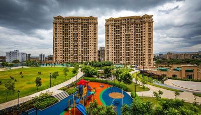 Gallery Cover Pic of Raheja Vistas Building B2