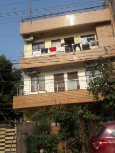 V. P. Homes 25