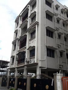 Gallery Cover Image of 720 Sq.ft 1 BHK Apartment for rent in Srish Apartment, Lake Town for 6500