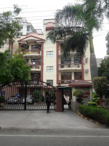 Gallery Cover Image of 1550 Sq.ft 3 BHK Apartment for buy in Parsvnath Residency, Sector 51 for 11200000
