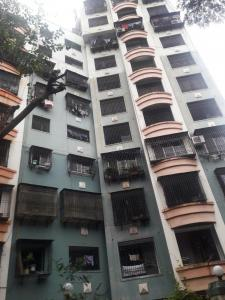 Gallery Cover Image of 950 Sq.ft 3 BHK Apartment for buy in Shivalaya Height, Andheri West for 22500000
