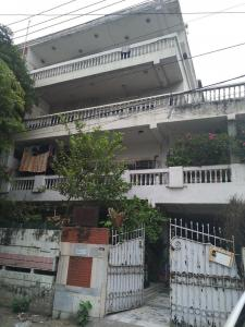 Gallery Cover Image of 1400 Sq.ft 3 BHK Independent Floor for buy in Number A2/24, Safdarjung Enclave for 35000000