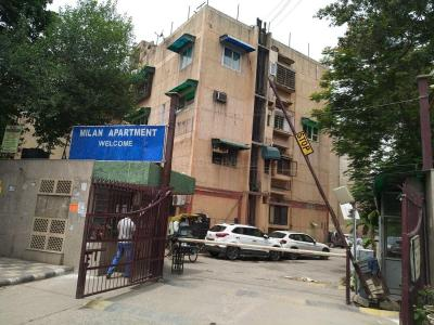 Gallery Cover Image of 2000 Sq.ft 3 BHK Apartment for buy in Milan Apartments, Pitampura for 35000000