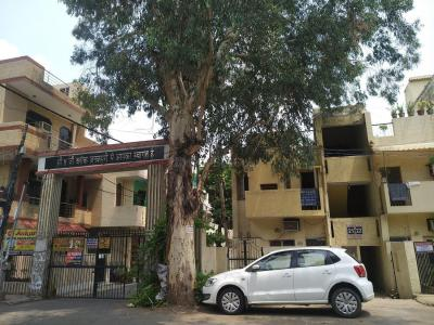 Gallery Cover Image of 1200 Sq.ft 3 BHK Apartment for rent in DDA MIG Flats , Mayur Vihar Phase 3 for 18000