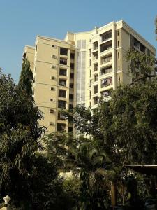 Gallery Cover Image of 670 Sq.ft 1 BHK Apartment for buy in Lemont Apartment, Malad East for 10500000