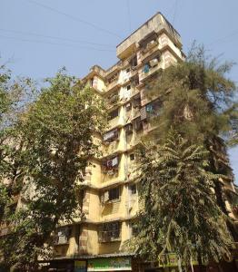 Gallery Cover Image of 850 Sq.ft 2 BHK Apartment for rent in Chamunda Heritage, Vile Parle East for 60000