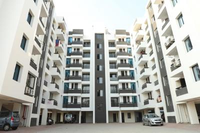 Gallery Cover Image of 1250 Sq.ft 3 BHK Apartment for buy in Wanderland Treasure Fantasy, Rau for 3500000