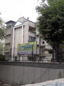 Gallery Cover Image of 1050 Sq.ft 2 BHK Apartment for rent in Bharat Petroleum Apartment, Sector 62 for 16000