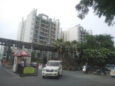 Gallery Cover Image of 1550 Sq.ft 2 BHK Apartment for rent in Omaxe Grand Woods, Sector 93B for 35000