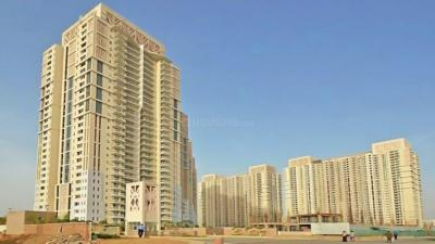 Gallery Cover Image of 1983 Sq.ft 3 BHK Apartment for rent in DLF Park Place, Sector 54 for 69000