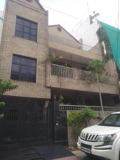 Gallery Cover Pic of Singh House