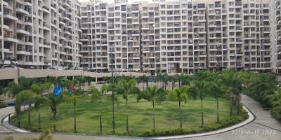 Gallery Cover Image of 1200 Sq.ft 3 BHK Apartment for rent in Skycity , Dhanori for 21000