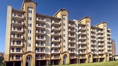 Gallery Cover Image of 1950 Sq.ft 3 BHK Apartment for rent in Emaar Palm Hills, Sector 77 for 16000