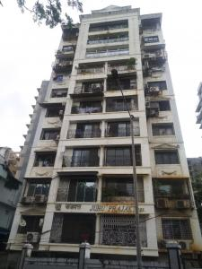 Gallery Cover Image of 950 Sq.ft 2 BHK Apartment for rent in Juhu Prajakta, Juhu for 62000