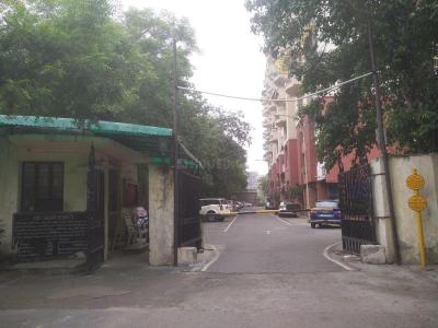 Gallery Cover Image of 1800 Sq.ft 3 BHK Apartment for rent in Golden Heights Apartments, Sector 12 Dwarka for 26000