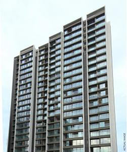 Gallery Cover Image of 1551 Sq.ft 3 BHK Apartment for buy in Rustomjee Paramount Wing C, Santacruz West for 80000000