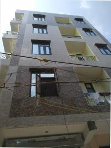 Gallery Cover Image of 1500 Sq.ft 3 BHK Apartment for rent in Shree Radha Krishna Apartments, Sector 7 Dwarka for 30000
