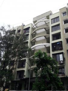 Gallery Cover Image of 575 Sq.ft 1 BHK Apartment for buy in Borivali Shyamkrupa CHSL, Borivali West for 6800000
