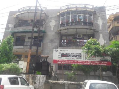 Gallery Cover Image of 1500 Sq.ft 3 BHK Apartment for buy in Suryasheesh Apartments, Nehru Nagar for 5200000