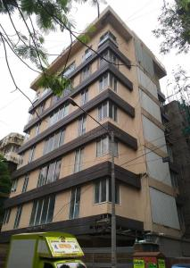 Gallery Cover Image of 440 Sq.ft 1 BHK Apartment for buy in Bhagtani Pearl, Santacruz West for 22500000