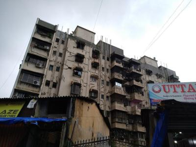 Gallery Cover Image of 1010 Sq.ft 2 BHK Apartment for buy in Gold Coin Apartment, Santacruz East for 18900000