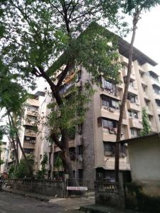 Gallery Cover Image of 620 Sq.ft 1.5 BHK Apartment for buy in Shreeji Tower CHS, Thane West for 9000000