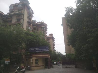 Gallery Cover Image of 1750 Sq.ft 3 BHK Apartment for rent in Vinayak Apartment, Sector 10 Dwarka for 28000