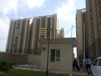 Gallery Cover Image of 585 Sq.ft 1 BHK Apartment for buy in Agarwal Aditya World City, Wave City for 1800000
