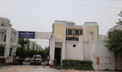 Gallery Cover Image of 900 Sq.ft 2 BHK Apartment for rent in Dhanya Niketan, Sector 42 for 11000