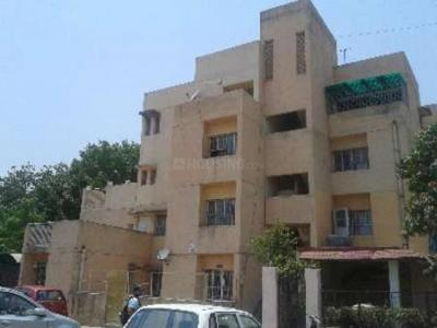 Gallery Cover Image of 1450 Sq.ft 3 BHK Apartment for rent in DDA Flats Sarita Vihar, Sarita Vihar for 35000