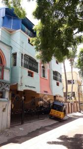 Gallery Cover Image of 800 Sq.ft 2 BHK Apartment for rent in kamatchi Flats, Medavakkam for 12000