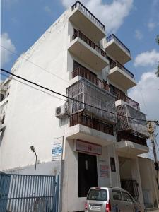 Gallery Cover Image of 1100 Sq.ft 2 BHK Apartment for rent in The Deplomatic Homes, Sector 28 Dwarka for 14000