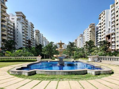 Gallery Cover Image of 1280 Sq.ft 2 BHK Apartment for rent in Puravankara Purva Fountain Square, Marathahalli for 30000