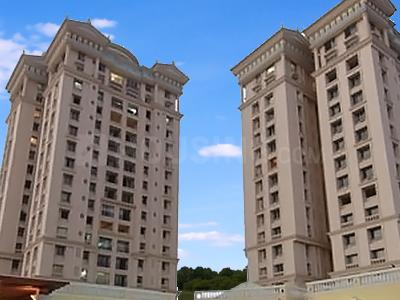 Gallery Cover Image of 1340 Sq.ft 3 BHK Apartment for buy in Dosti Elite, Sion for 55000000