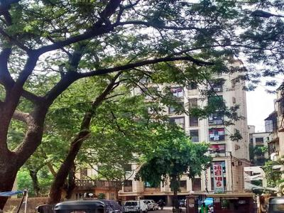 Gallery Cover Image of 610 Sq.ft 1 BHK Apartment for buy in Modi Park, Kandivali West for 12000000