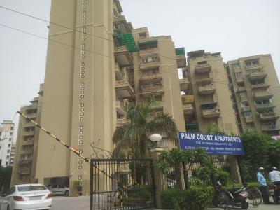 Gallery Cover Image of 1800 Sq.ft 3 BHK Apartment for rent in CGHS Palm Court Apartment, Sector 19 Dwarka for 32000