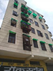 Gallery Cover Image of 1700 Sq.ft 3 BHK Apartment for rent in Shyam Apartment, Sector 11 Dwarka for 28000