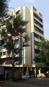 Gallery Cover Image of 280 Sq.ft 1 RK Apartment for buy in Vrundavan Complex, Amroli for 500000