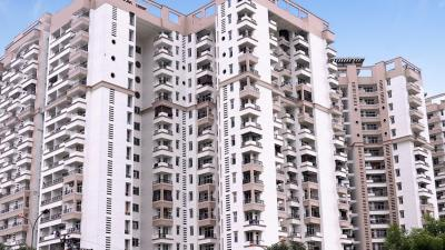 Gallery Cover Image of 2200 Sq.ft 4 BHK Apartment for rent in Ramprastha Pearl Court, Vaishali for 50000
