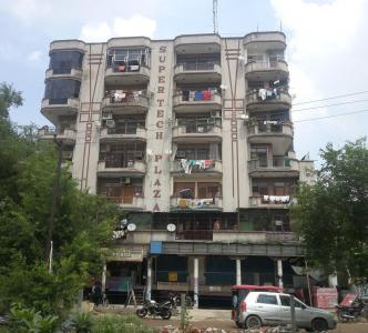 Gallery Cover Image of 950 Sq.ft 2 BHK Apartment for buy in Supertech Plaza, Rajendra Nagar for 3200000